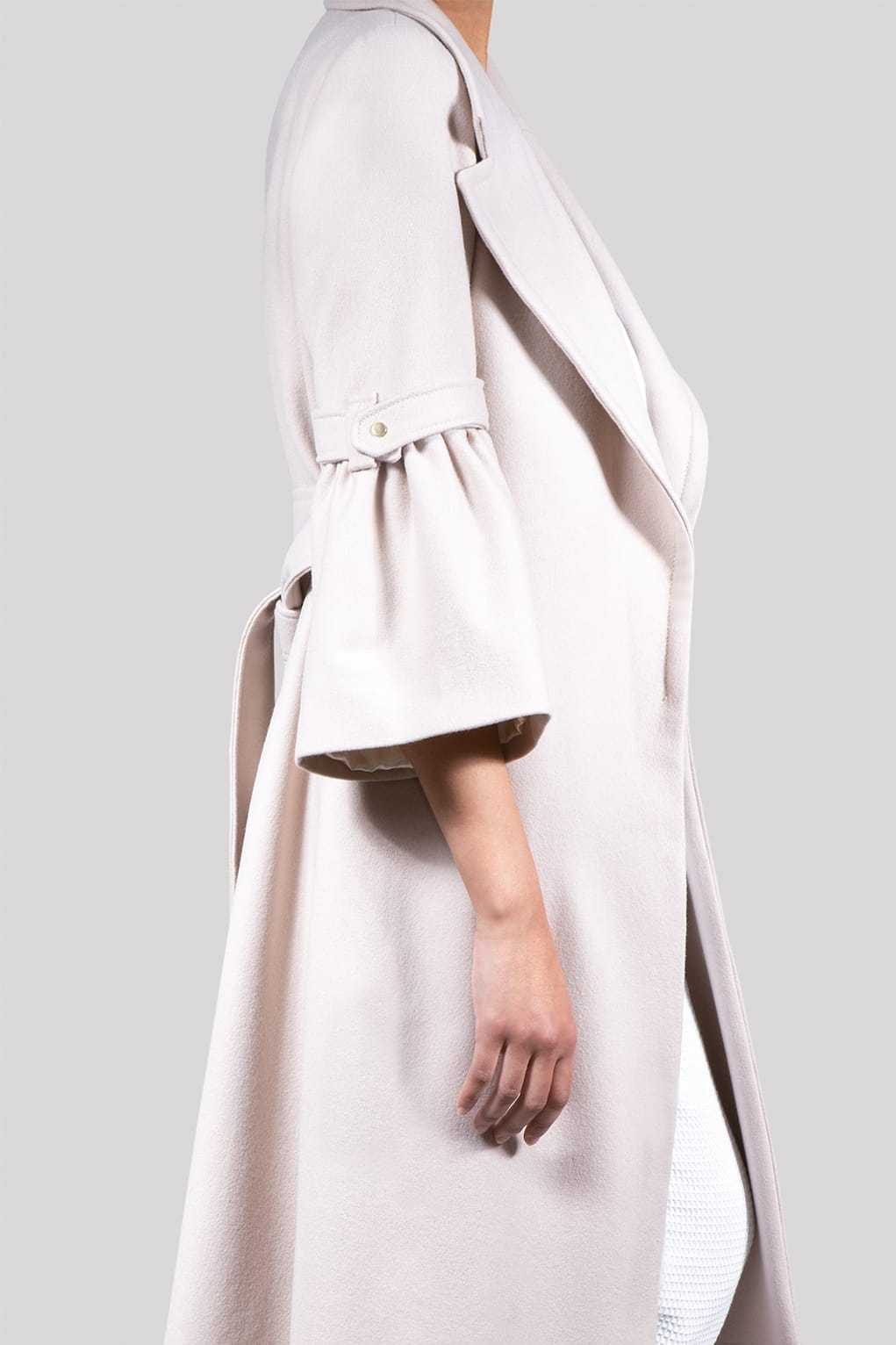 VALDONE Au - Side of the beige colour British wool maxi designer coat ELODIE
