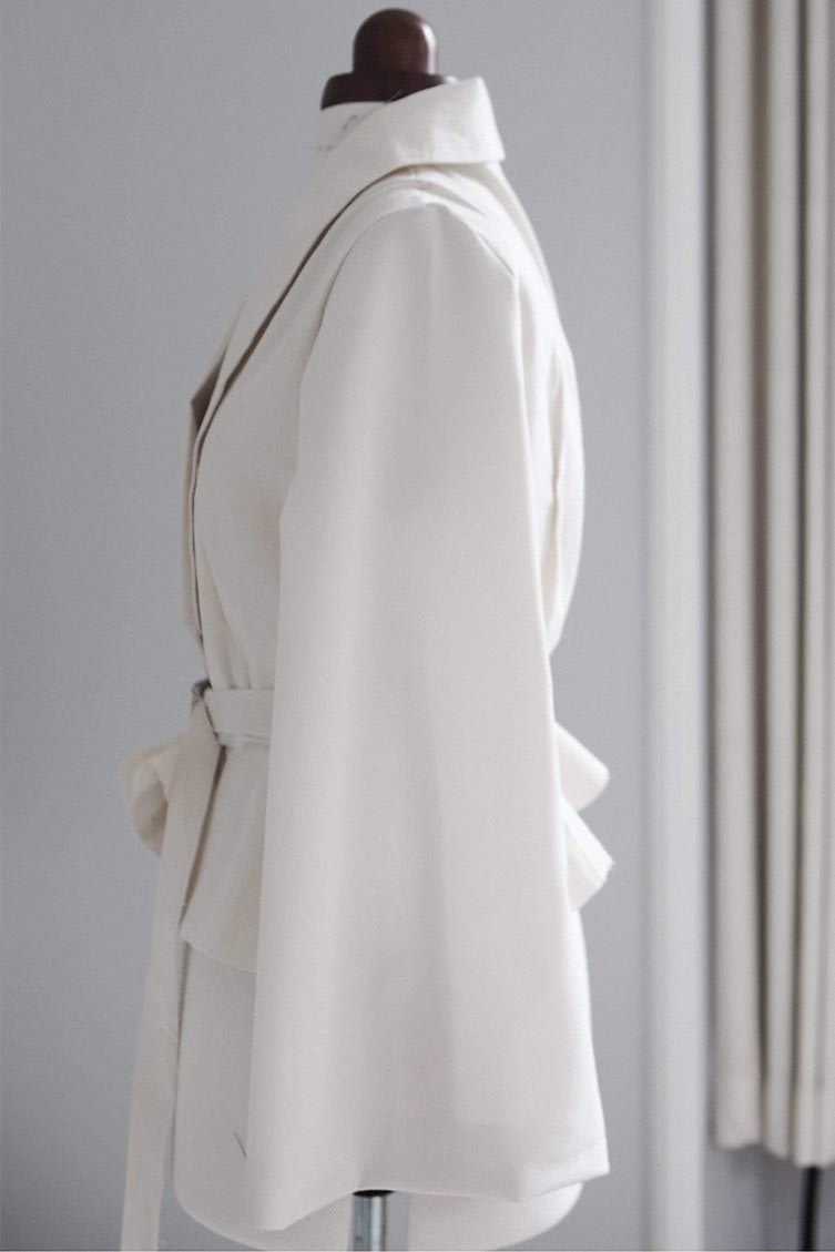 VALDONE Au - the process of making the couture jacket. Made-to-measure in the United Kingdom